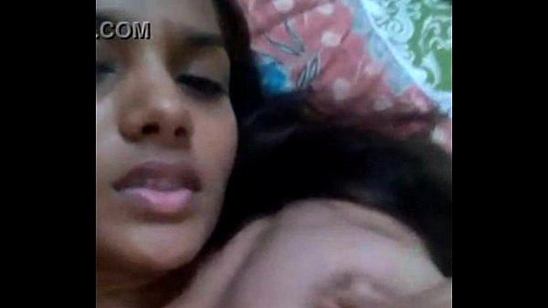 Thirupur pathumai selfiyil sexyaana mulaiyai kaamikiraal - Sex video
