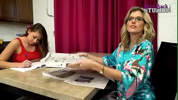 Amma magal thanthai threesome sex seithu ookiraargal - Sex video