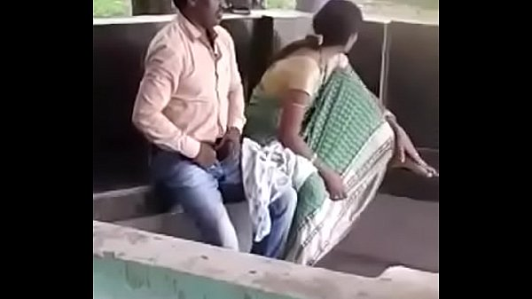 Vibachaari parkil madiyil paduthu sunniyai umbugiraal - Hidden cam sex