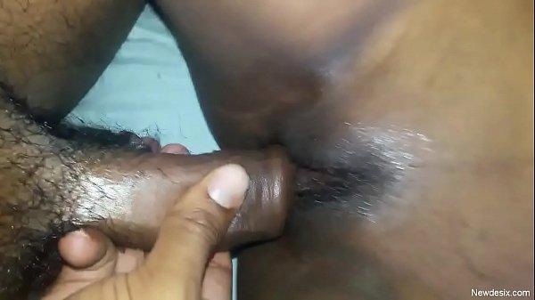 18 vayathu pen suganya kuthiyil sexyaaga ookiraal - sex video
