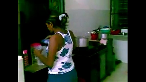 Kozhunthan anniyin kuthiyil kaatu thanamaaga ookiraan - Homemade video