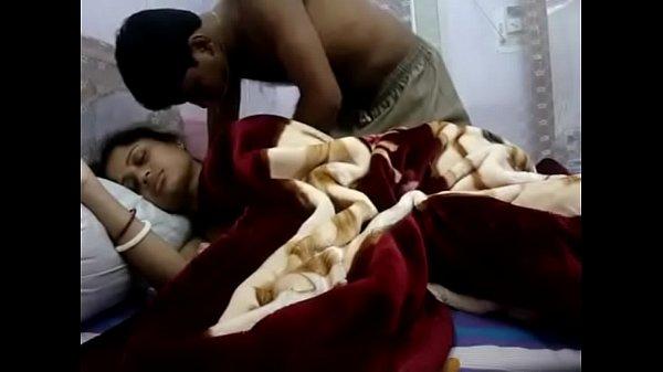 Thungum ammavai thadavi kaamam seigiraan - sex video