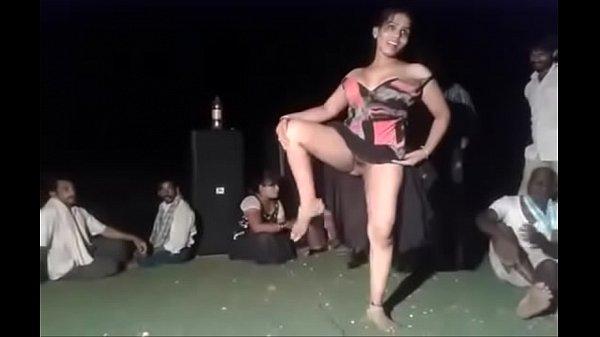 Sexiyaga mulai kuthiyai kanbithu nadanam aadum vibachaari - sex video