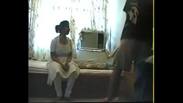 Kozhunthan anniyai umba vitu kanjai kuthiyil irakugiraan - sex video
