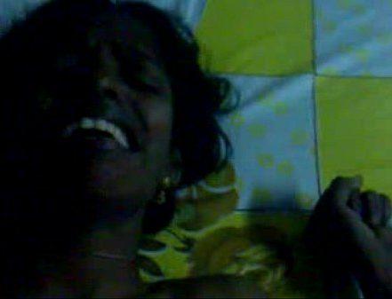 Theni Vibachaari Tamil Sexy Video Akka Sexyaaga Matter Podugiraal