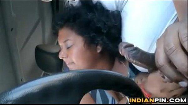Driver sunniyai tamil car sex umbi kanjai kudikum vibachari