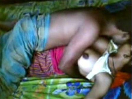 Gramathu naatu katai tamil village sex pennai moodaga ookiraan