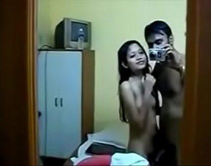 Kulithukonde sunniyai kathali vaaiyil vitu oombavaikum tamil dirty videos