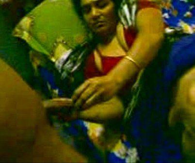Nanbanin ammavai sexyaaga umba vittu mater podum tamil sex video