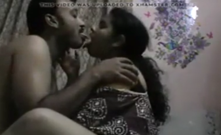 Tamil village panchayathar wife pundai fingering sex