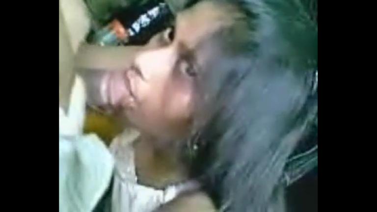 Coimbatore ilamaiyaana mulai vaithu irukum pen oombi ookum sex video