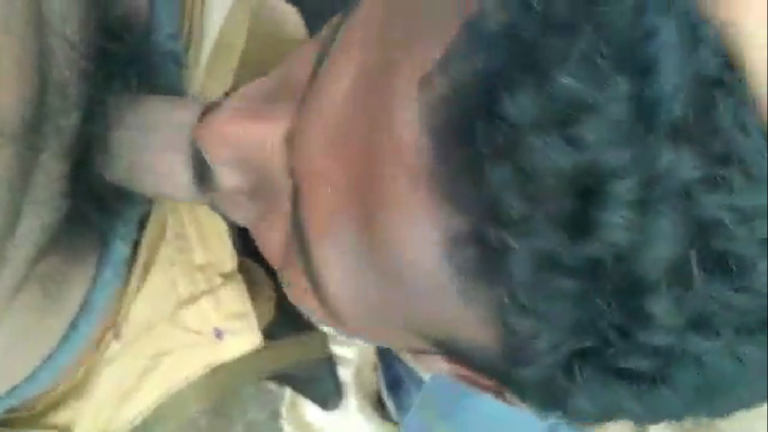 Kuli velai seibavan sunniyai oombum tamil gay sex videoq