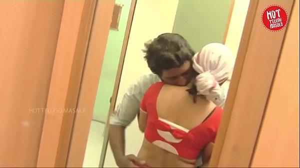 Uncle thambi Manaiviyai sex seiyum tamil romance video