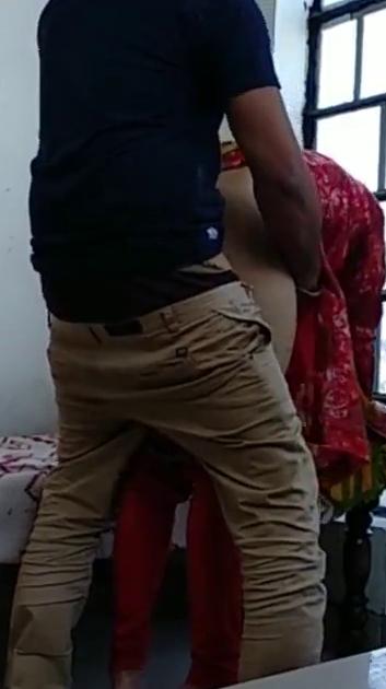 Pakkathu veettu pennai balcony azhaithu otha tamil live doggy sex
