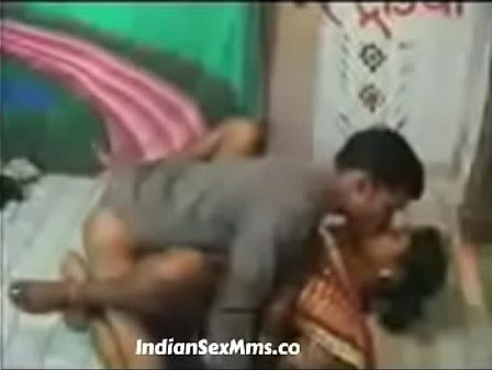 Tamil maid pavadaiyai thuki pundaiyil ookum owner sex video