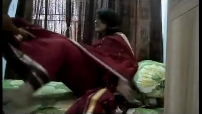 Tamil anni manaiviyai kiss seithu ookum sex video
