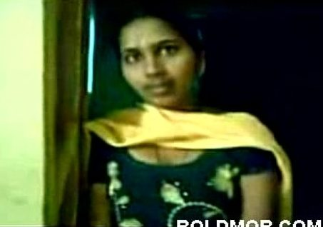 Chudithaarai thuki mulai kanbikum tamil college girls sex video