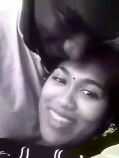 Madurai pen tamil pesi kathalanudan romance seiyum tamil sex video
