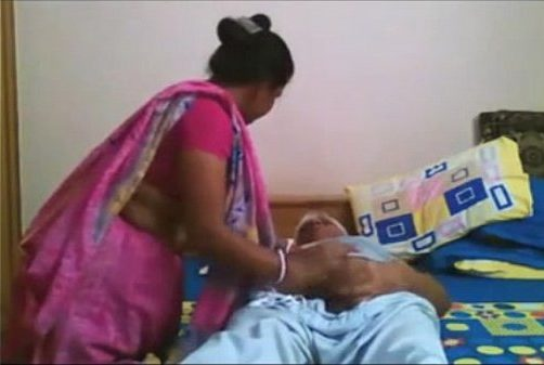 Marumagal maamanar sunniyai oombum tamil old man sex video