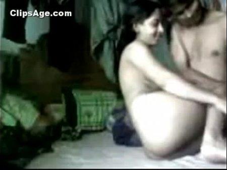 Tamil paiyan mama magal vai matrum pundaiyil ookum sex video
