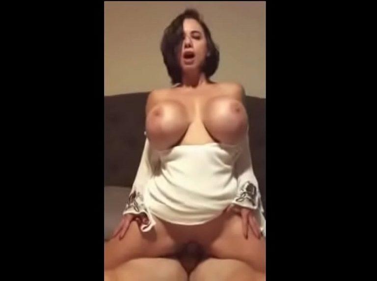 Big breast penai oothu pundai kanju kudikum xxx sex movies