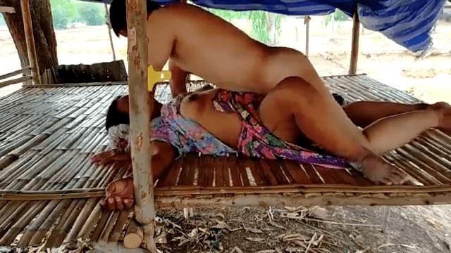 Manaivi pavadaiyai thuki kuthiyil oothu kanju irakum tamil forest sex video