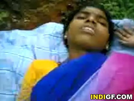 Pakathu veetu manaiyai sexiyaaga ookum tamil village sex video