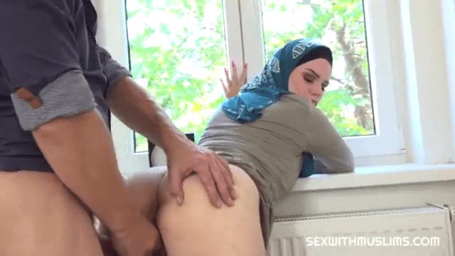 Veedu virpavan sexiyaaga usar seithu cow nilaiyil ookum xxx sex movies