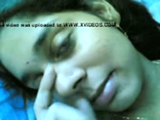 19 vayathu ilamaiyaana pen mulai pundai kanbikum nude tamil girls video