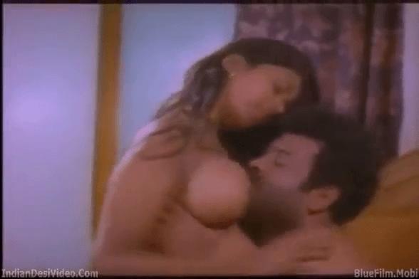Nanban veetil ilatha pozhuthu manaiviyai sex seiyum tamil sex padam