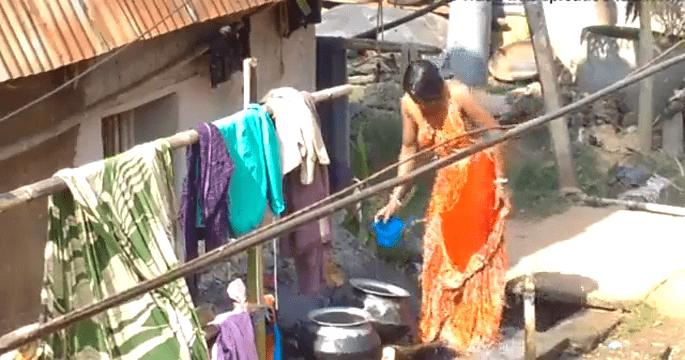 Kanchipuram veetu manaivi tamil bath mulai kati kulikum sex video