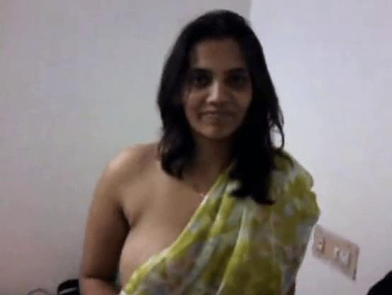 Mallu aunty bra aniyaamal mulaiyai saree aninthu kanbikum mallu sex video