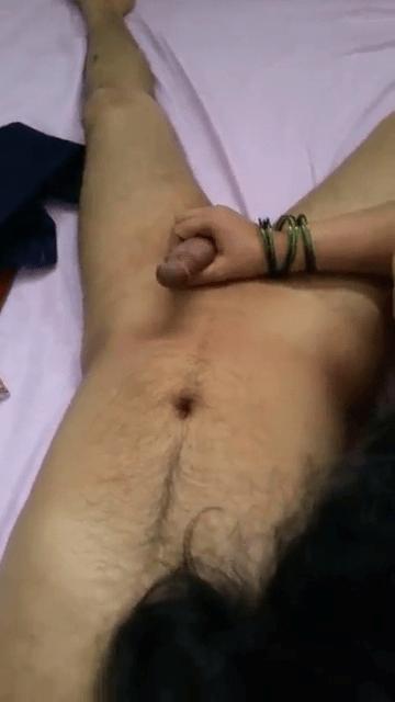 Tamil anni kozhunthan poolai veliyil eduthu oombum tamil sex clips
