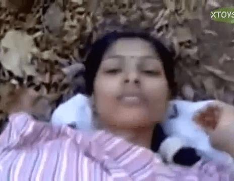 Tamil village sex maadu meikum pennai ookiraan