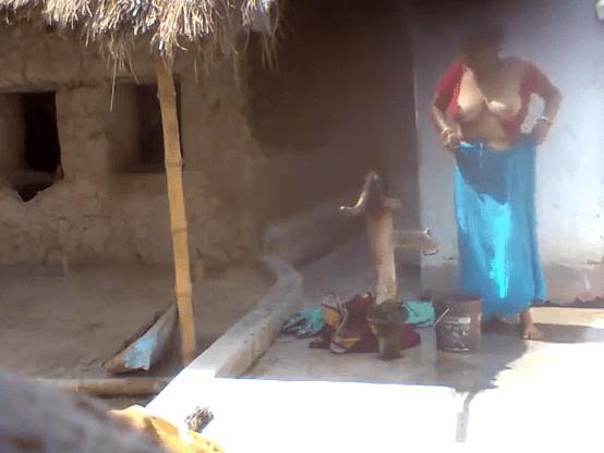 Village mallu aunty big boobs kanbithu kulikum tamil aunty sex video