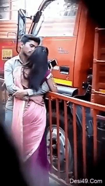 Teen thavani anintha pennai romance seiyum tamil outdoor sex video