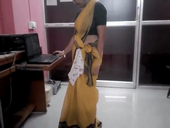 Office aunty idupu mulai katum tamil saree sex video