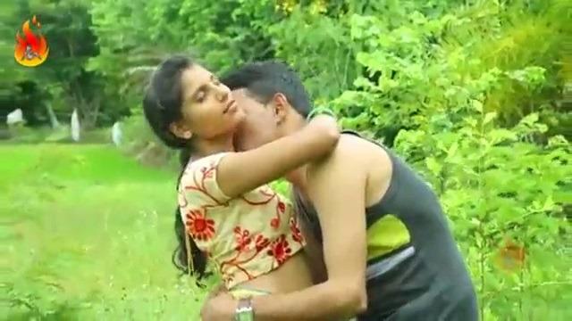 Village tamil blue films pennai iyarkaiyaaga sex seigiran