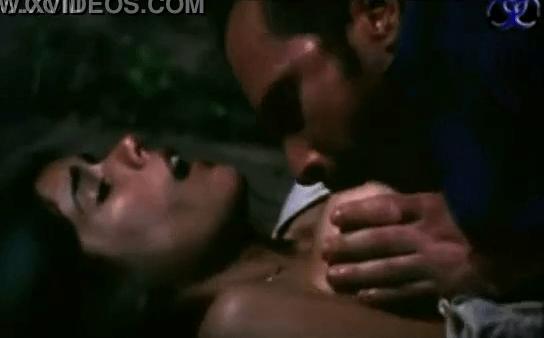 Tamil sex movie semaya kiss adithu mulai sappi ookiran