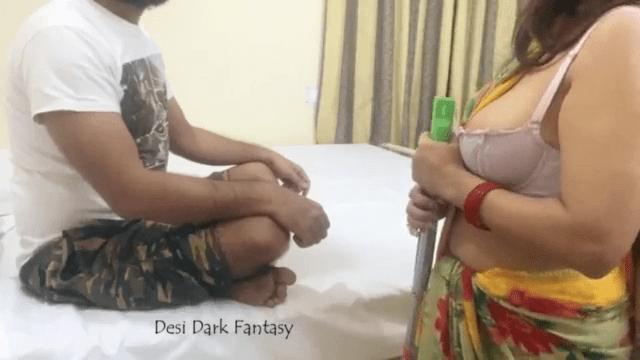 Maid aunty poolai oombi oothu kanjai pundaiyil iraka vidum tamil sexy video