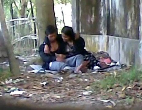 Kathalan poolai sexyaaga tamil blowjob seiyum south indan porn videos
