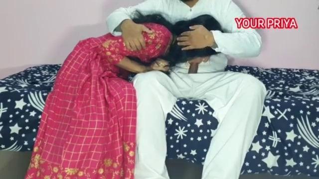 Uncle ilam penai usar seithu oomba vitu ookum tamil hot sex video