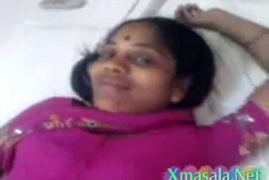 Madurai manaivi poolai oombum tamil aunty sex video