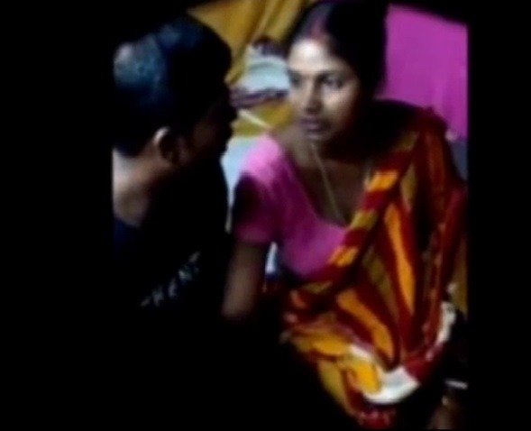 Hidden cameravil anni tamil housewife sex record video