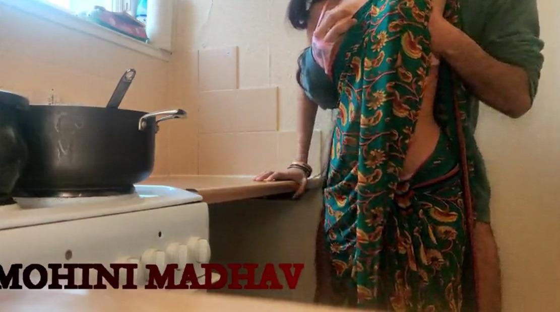 Kozhunthan anniyai kitchenil thuki okkum tamil romantic sex