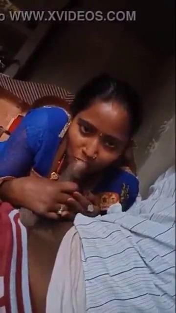 Tamil anni kozhunthan poolai urinthu oombum sex video
