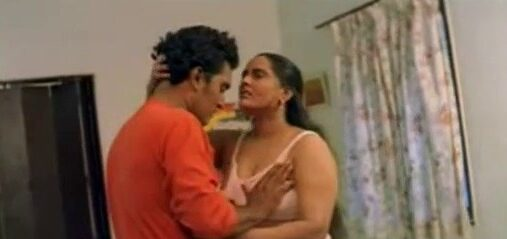 Tamil blue films aunty nude show paarthu sex seigiraan
