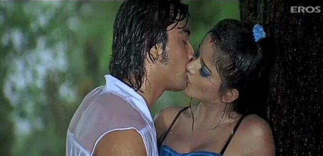 Tamil actress eeramaaga kiss adikum sex video