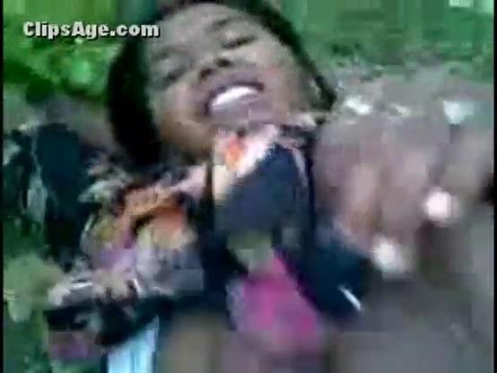Big boobs aunty paduthu ookum tamil forest sex videos