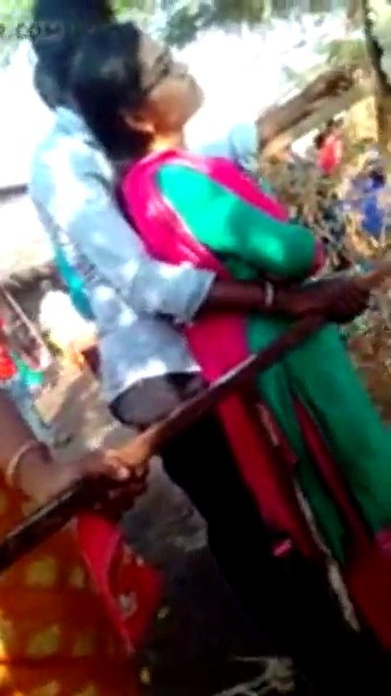 Poolai soothil vaithu therikum salem tamil outdoor sex video